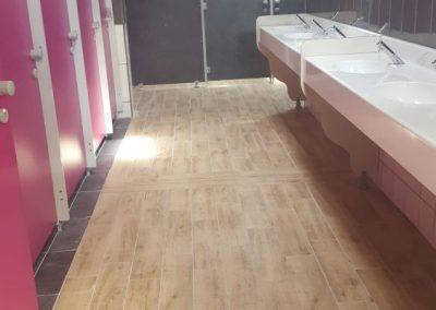 douches-des-nouveaux-sanitaires-400x284
