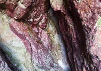 couleur-unique-grotte-de-Morgat-Crozon--400x284